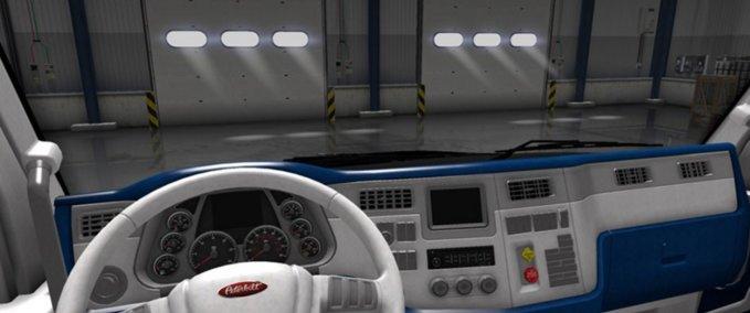 Peterbilt-579-weiss-blaues-interior