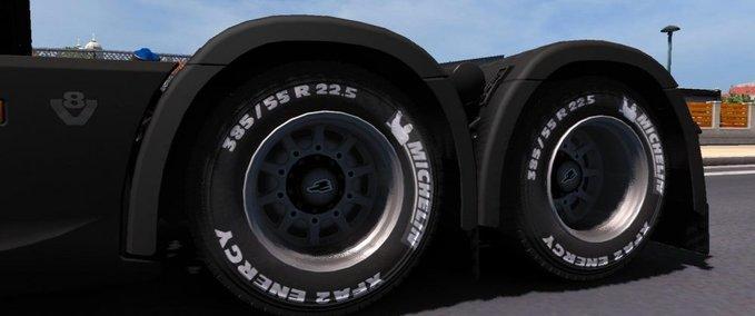 Michelin-und-goodyear-reifen-1-30-x