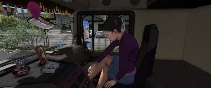 Animierte-beifahrerin-im-lkw-1-32