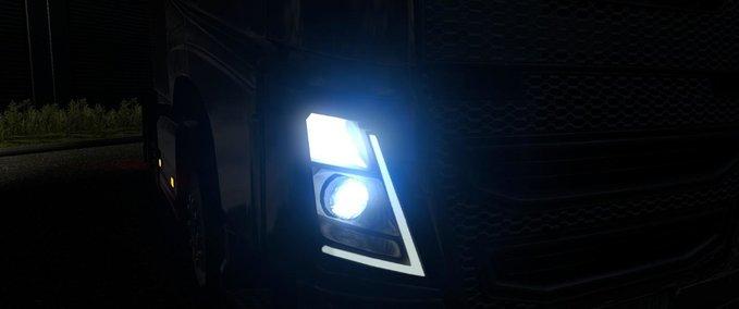 Starke-blaue-xenon-scheinwerfer-1-35-1-36