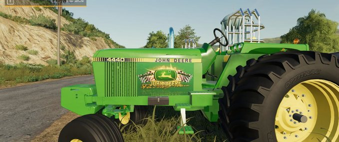 John-deere-4440-puller-vehicle