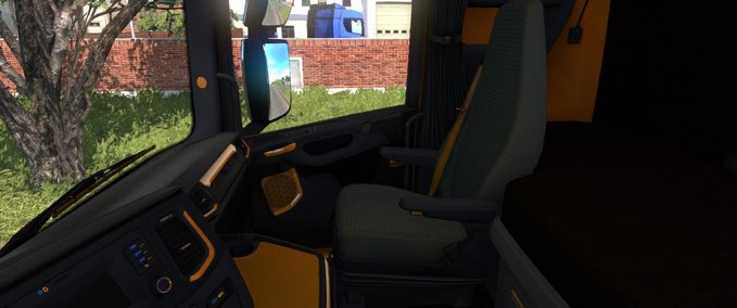 Scania-schwarz-oranges-interieur-1-37-x