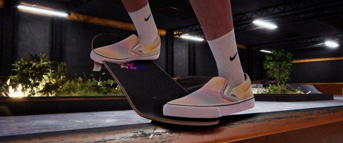 Skater XL: Vans Classic Slip On Aura Shift v 1.0 Gear, Real